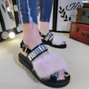 2017 Summer European and American style New Women Sandals Mink Fur Crystal Decoration Flat Sandals fluffy Sandals Chausson Femme