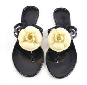 New Fashion Womens Camellia Flower Jelly Flat Sandals Ladies Sexy T Strap Summer Beach Slippers Shoes Black Beige Flip Flops