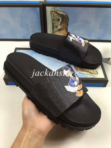 Top Quality Mens Printing Leather Slippers in 13 Colors 2017 New Cartoon Sandals For Boys with Tiger Star Duck Letter